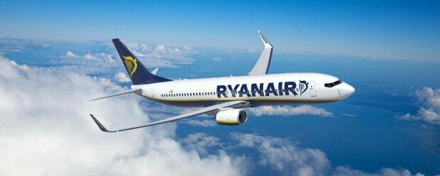Самолет Ryanair, фото с фейсбук-стойки авиакомпании