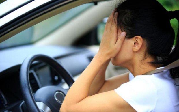 Припарковать смогла, но забыла где: неудачливая водительница насмешила копов
