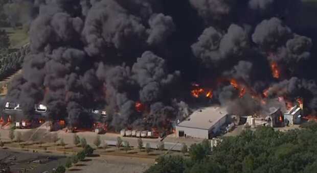 Потужний вибух на хімзаводі загрожує світу, спалахнуло все: нагадує Чорнобиль