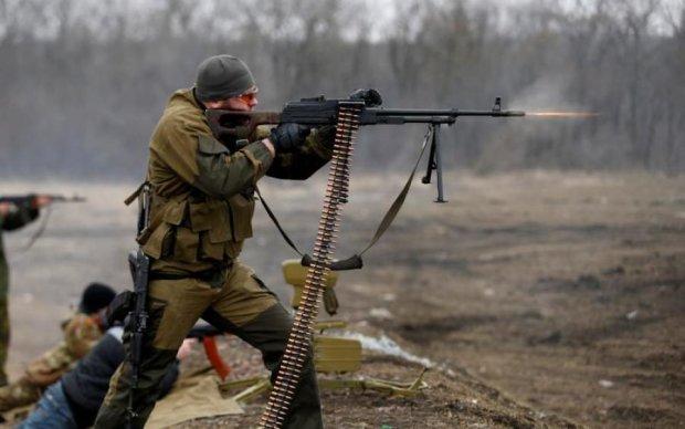 """Пекло по всіх фронтах: """"перемир'я"""" бойовиків вистачило на тиждень"""