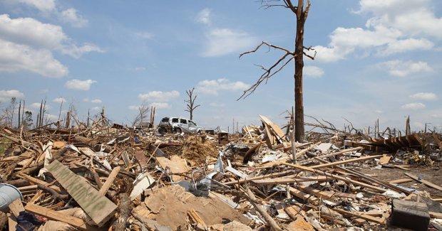 Дома в руинах, свыше двадцати погибших: в США нагрянули разрушительные торнадо