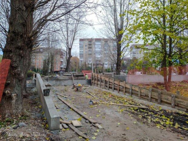 У Тернополі відкопали забуту річку - стічну канаву перетворять на оазис