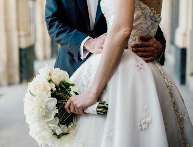 В каком возрасте лучше жениться: эксперты назвали условия идеального брака