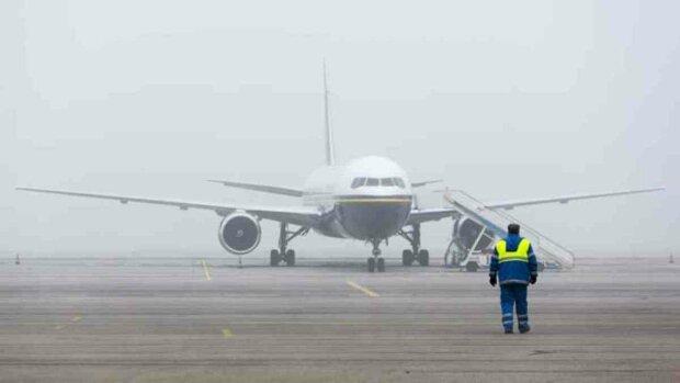 Туман парализовал аэропорт Жуляны: какие рейсы отменены