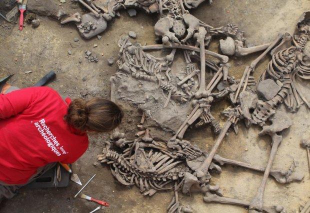Вчені виявили стародавню гробницю і заклякли: тисячолітня загадка, що не дає спокою всьому світу