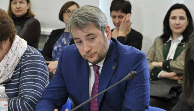 Заробіток на онкохворих: журналісти розкрили мільйонні оборудки губернатора Київщини