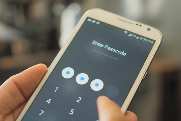 Як розблокувати телефон: найпростіші і перевірені способи