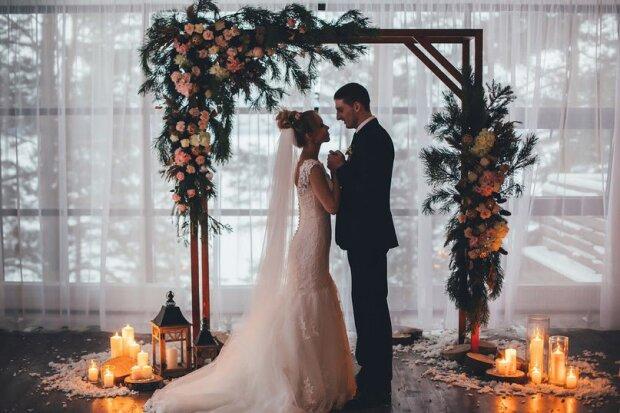 Любовна лихоманка: астрологи назвали знаки Зодіаку, які зіграють весілля до кінця року