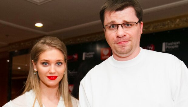 """Кристина Асмус пожаловалась на травлю Харламова и дочки: """"Добиваемся их развода!"""""""