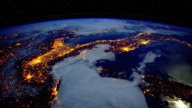 Космічний суботник: новий супутник очистить орбіту планети від сміття