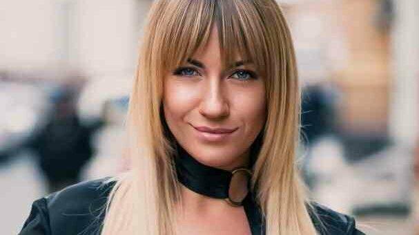 """Леся Никитюк заставила трамвай """"упасть в обморок"""" убийственной харизмой: """"Думала, только маршрутки ломаются"""""""