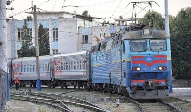 На травневі свята пустять 11 додаткових поїздів