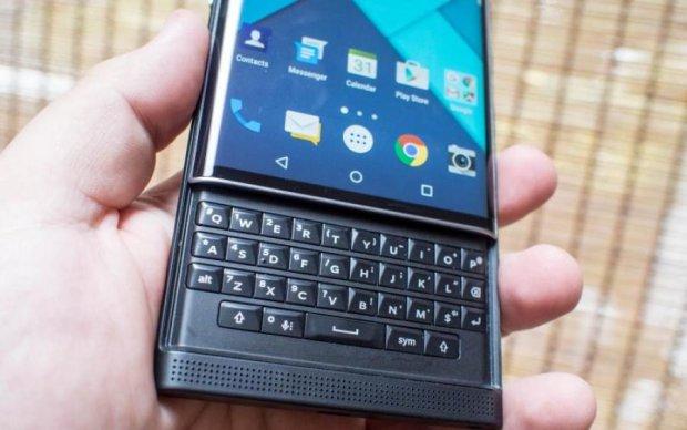 BlackBerry Key2 LE: фото несподіваного смартфона злили в мережу