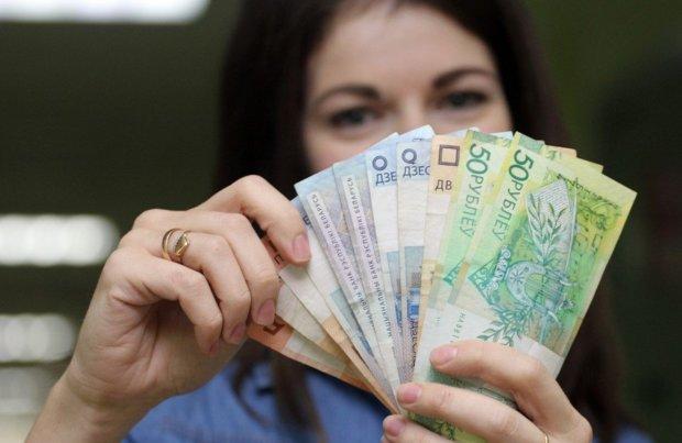 На межі краху: російський рубль випускає передсмертне зітхання