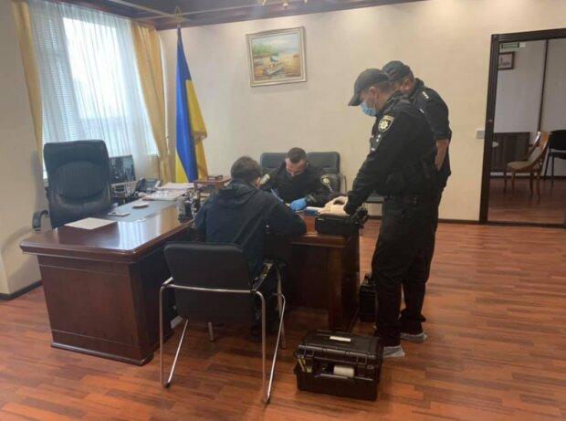 Невідомі зламали робочий кабінет Ольги Оніщук, фото: Denis Malyuska / Facebook