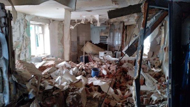 Усередині лишився малюк: на Закарпатті через потужний вибух будинок злетів на повітря