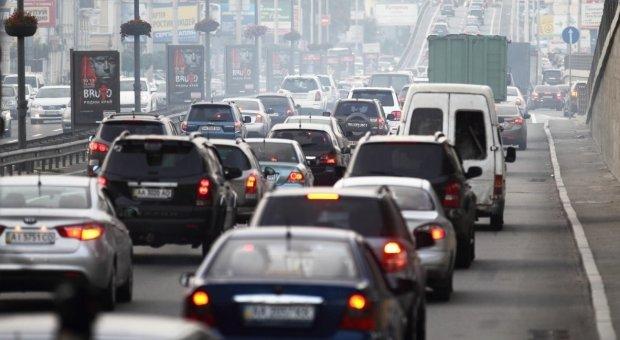 Кличко змусить киян колесити по всьому місту: бережіть бензин і нерви