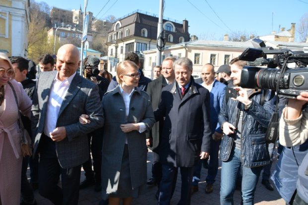 """Тимошенко звернулася до прихильників Зеленського та Порошенка: """"Як жити далі"""""""