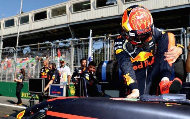 Звезде Формулы-1 выписали большой штраф за игнорирование СМИ