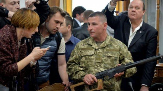 """Товариш по службі Єрофєєва звинуватив своє командування в """"показусі"""""""