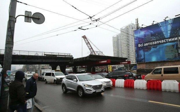 Шулявский мост может рухнуть? Киевляне указали Кличко на чудовищную оплошность