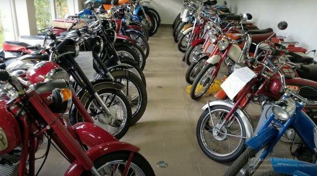 Коллекций мопедов и мотоциклов, скриншот