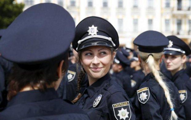 Нова поліція вийшла на вулиці українських міст