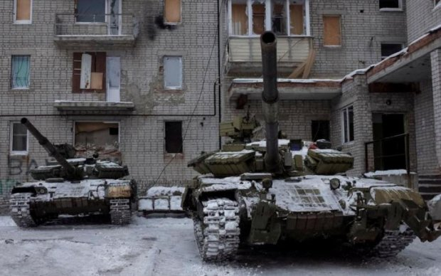 Дивіться, звідки прилітає: злочини Путіна на Донбасі вмістили в один ролик
