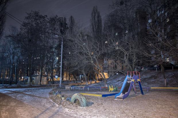 """Берегите детей: в Украине орудуют опасные """"гадалки"""", охотятся во дворах"""