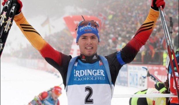 Заключну гонку чемпіонату світу з біатлону виграв німець