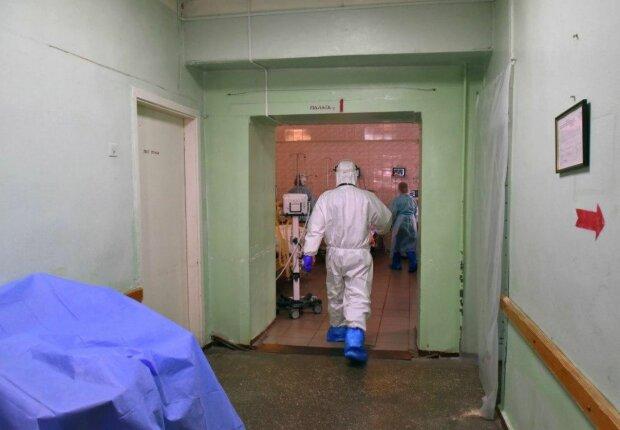 Медики, фото: Unian