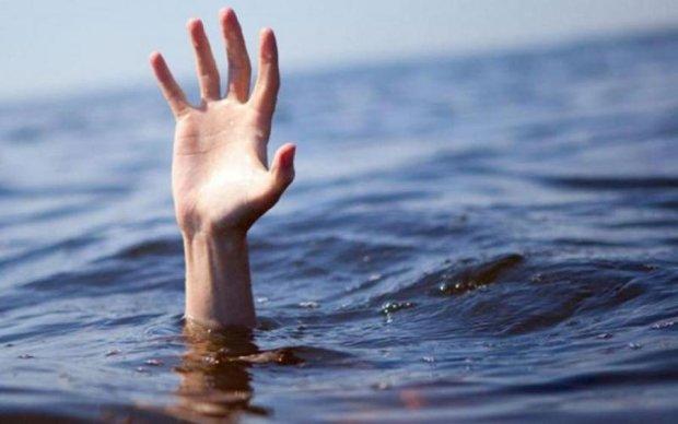 Двоє родичів потонули, рятуючи дитину