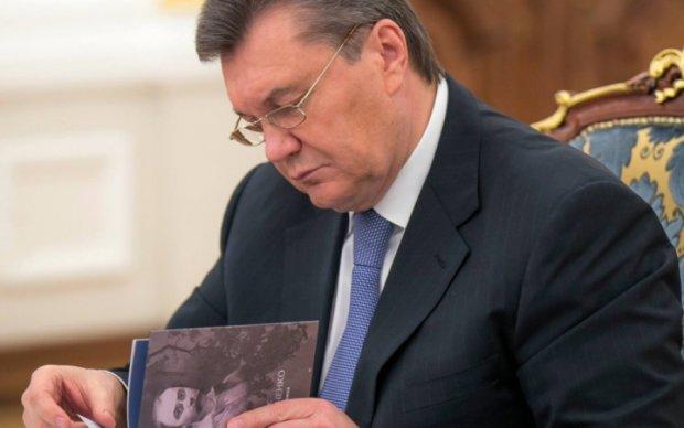 Головне за ніч: відставка друга Путіна і повернення улюбленої книги Януковича