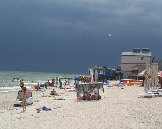 Літо, ти куди: Запоріжжя атакують хмари, синоптики стривожили прогнозом на 28 серпня