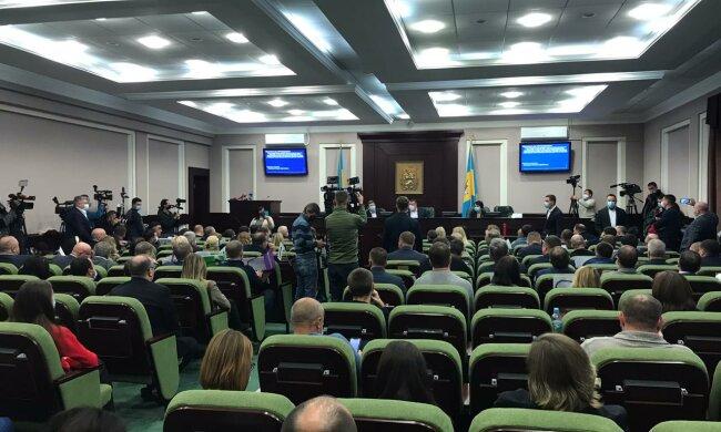СМИ: Скандал в Киевской области - 7 депутатов «Слуги народа» сорвали заседание облсовета