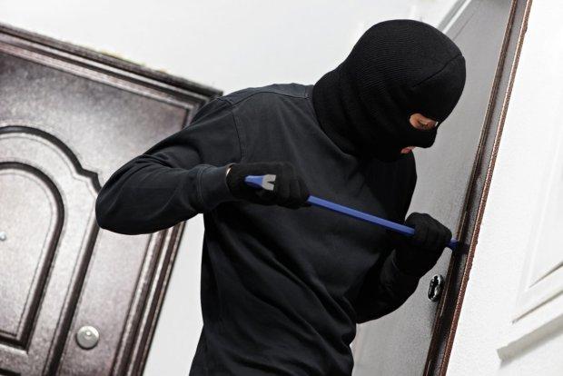 Киян попередили, в яких районах квартири грабують найчастіше: статистика