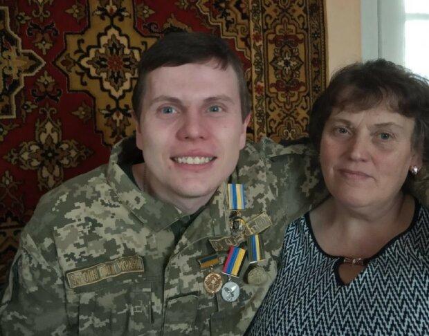 """Неймовірне зцілення українського героя Донбасу після поранення та коми показали в мережі: """"Це справжнє диво!"""""""