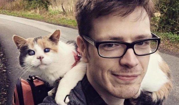 Слепая кошка и её хозяева-близнецы поднялись на гору ради спасения животных