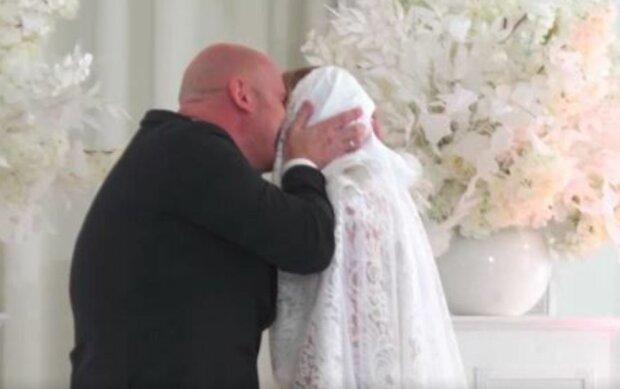 """В'ячеслав Узєлков в шоу """"Одруження наосліп"""", скріншот: YouTube"""