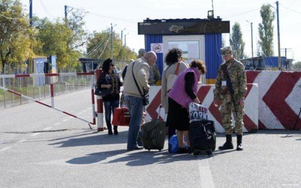 Найважливіший пункт пропуску запрацював на Донбасі