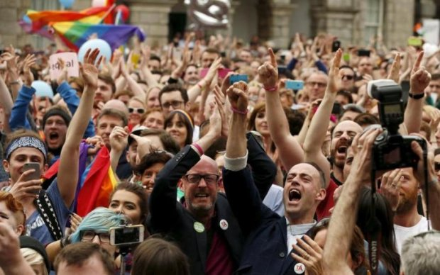 Вибори в Ірландії на референдумі підтримали вбивство дітей