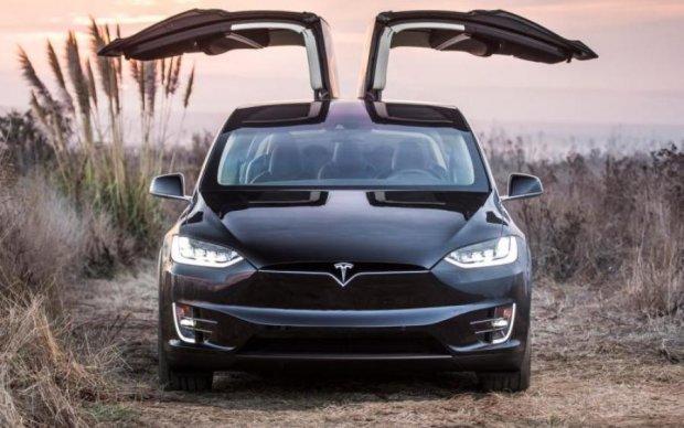 Стало известно, когда кроссовер Tesla появится на рынке