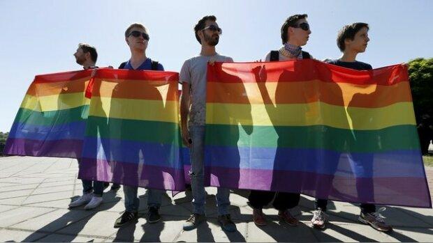 Мэр украинского города запретил геям быть патриотами и верить в Бога