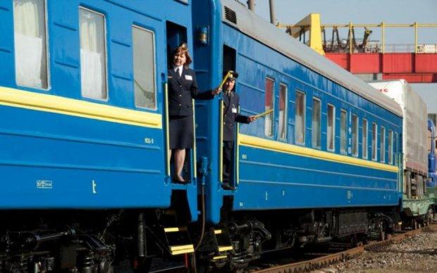 Восточный експресс:  Укрзализниця увеличила количество поездов на Донбасс