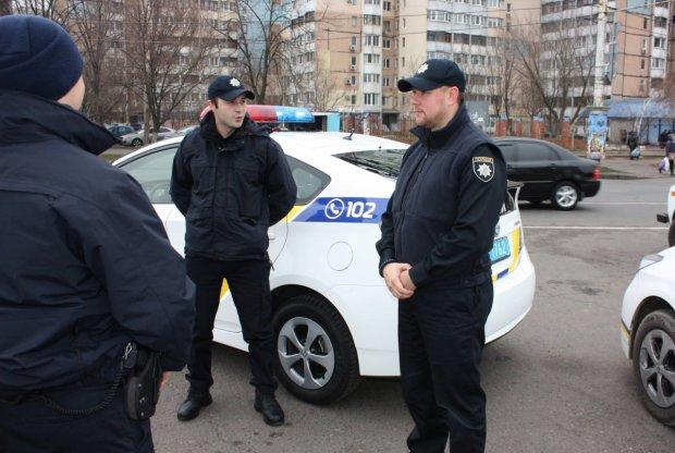 Викликати поліцію, повідомити про злочин, отримати відповіді на найпоширеніші запитання:  у Києві з'явилися перші інфортермінали поліції