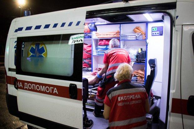 Киев потрясло жуткое ДТП, легковушку разорвало на части: трупы валяются прямо на асфальте, фото 18+