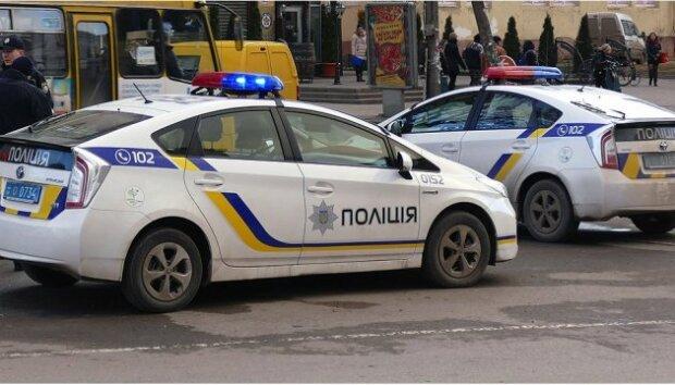 """""""Скупився на ринку"""": в Харкові накрили """"копа"""" з липовим посвідченням"""