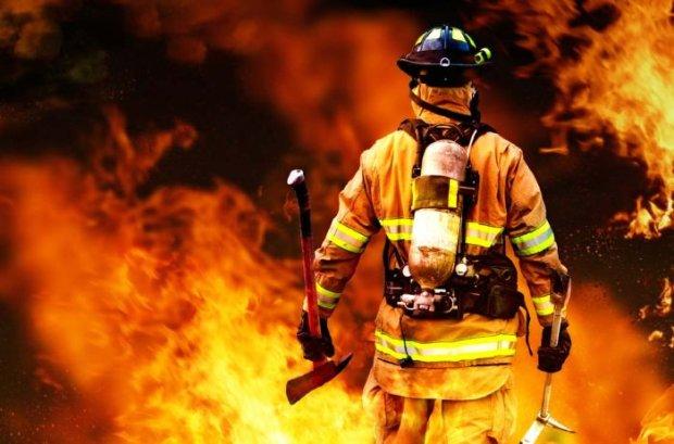 Храбрые харьковские пожарные вытащили с того света двоих бездомных