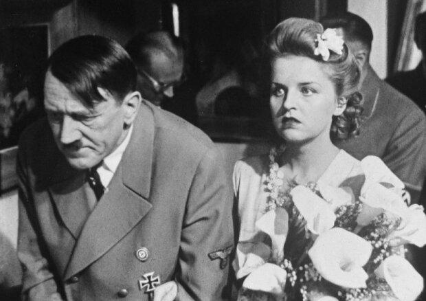 З молотка пустять портсигар Гітлера та сукню Єви Браун: кому можуть дістатися речі часів нацистської Німеччини
