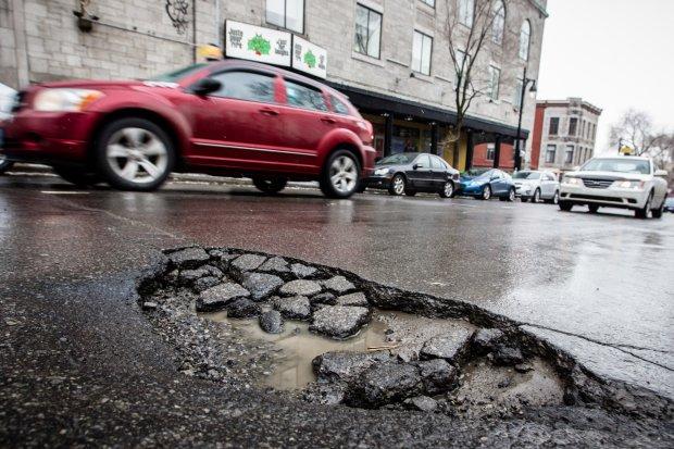 Водителям заплатят за ямы на дорогах: в какие двери стучаться, чтоб получить деньги